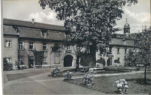 Bild:Frühe Fotografie Schlosshof